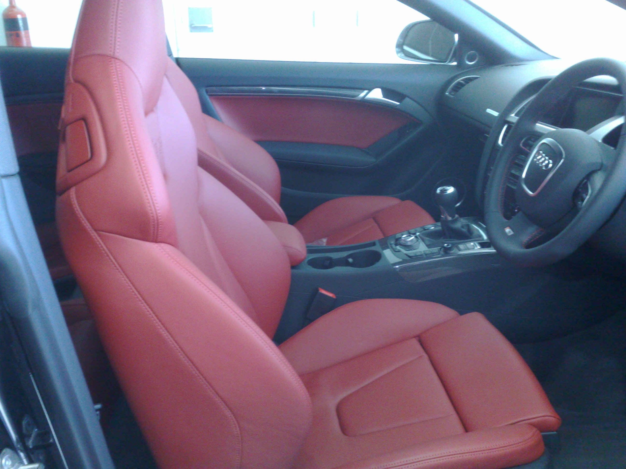 Magma Red Interior, Who loves it?-14112008338.jpg