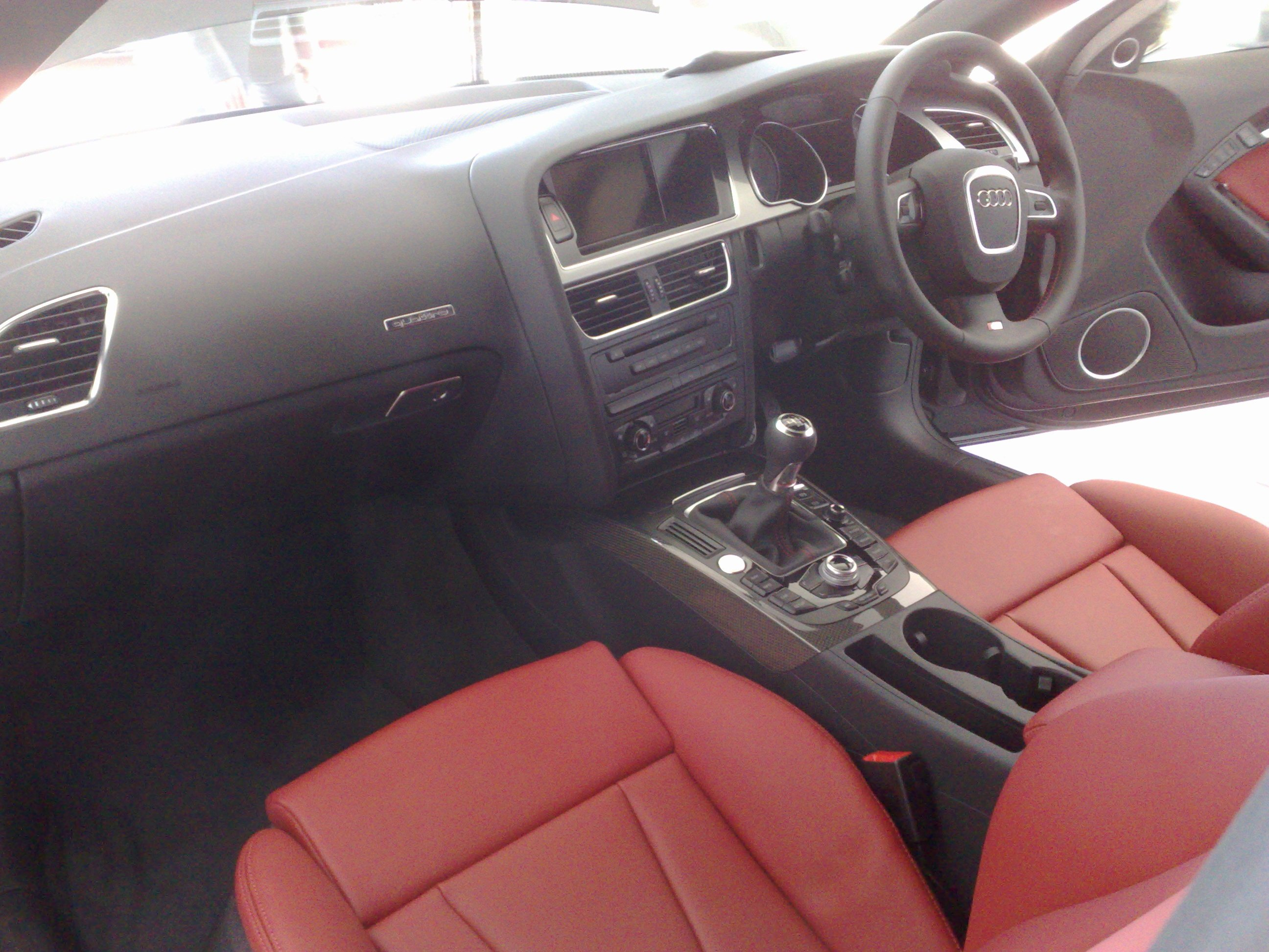 Magma Red Interior, Who loves it?-14112008340.jpg